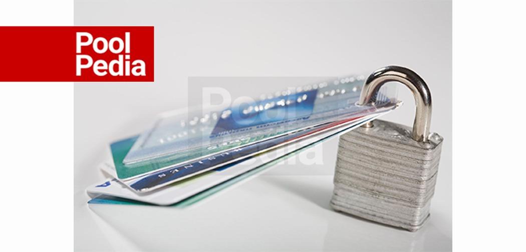 دوری از کارت اعتباری